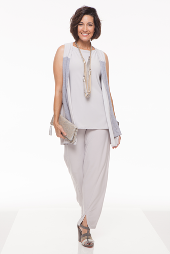 Sympli-Trunk-Show-Vertical-Post.png