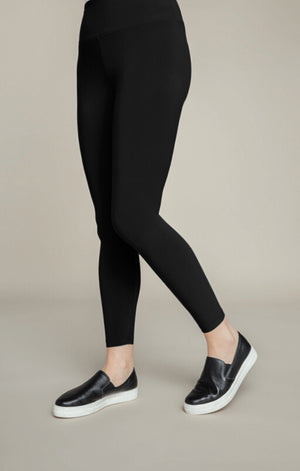 Sympli New Yoke Legging Black legging with yoke waistband no added detail_15496904900717