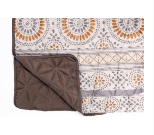 Kendra Diamond Quilted Throw