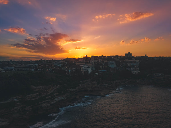 Colorful sunset and houses on Sandridge st, Fletcher St and Wilga st - Bondi - Free Stock Photo