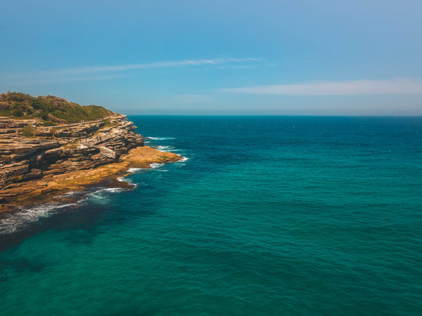 Blue Australian Ocean and Mackenzies point - Stock Image