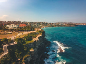 Sydney's Waterfront houses, coastal walk and the cliff - free stock image