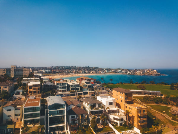 Waterfront houses on Mackenzies Point - Ben Buckler, Bondi Beach, Marks Park and Kenneth Street is visible