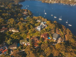 Luxury houses and Australian Nature at Linden Way and Cheyne Walk - Sydney