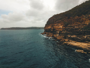 Rocks and teal water in Sydney - Free stock image of Australia