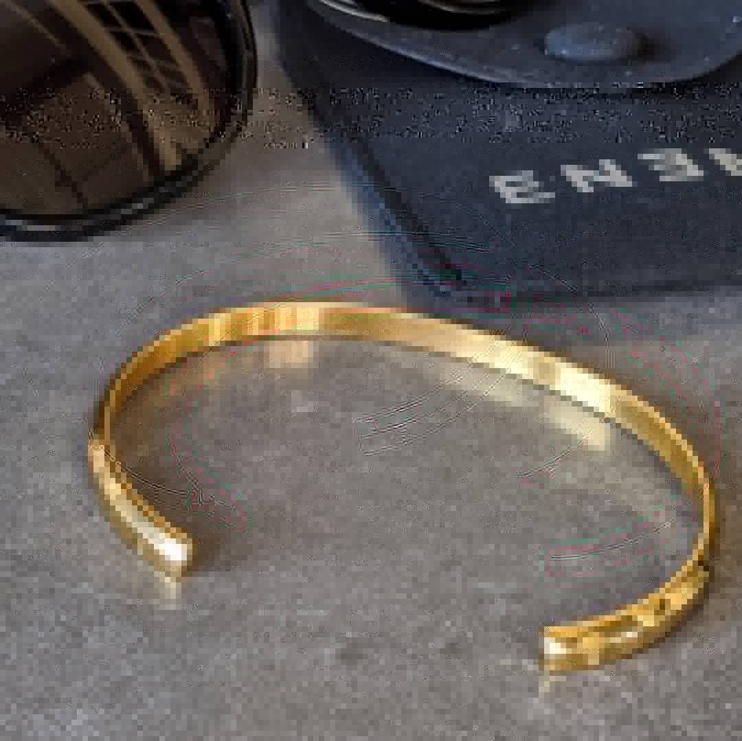 Minimal Metal Cuff - Yellow Gold