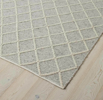 Mitre Rug Feather 200 x 300cm