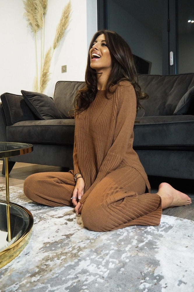 Ribbed knit lounge wear rust - StudioMouthy