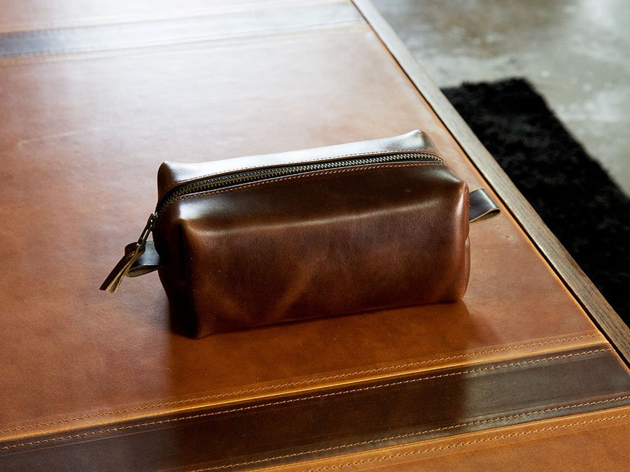 brown leather dopp bag image