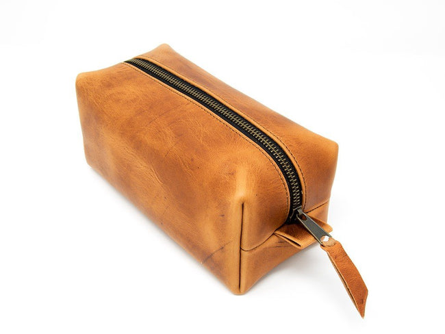 photo of horween leather dopp kit - natural
