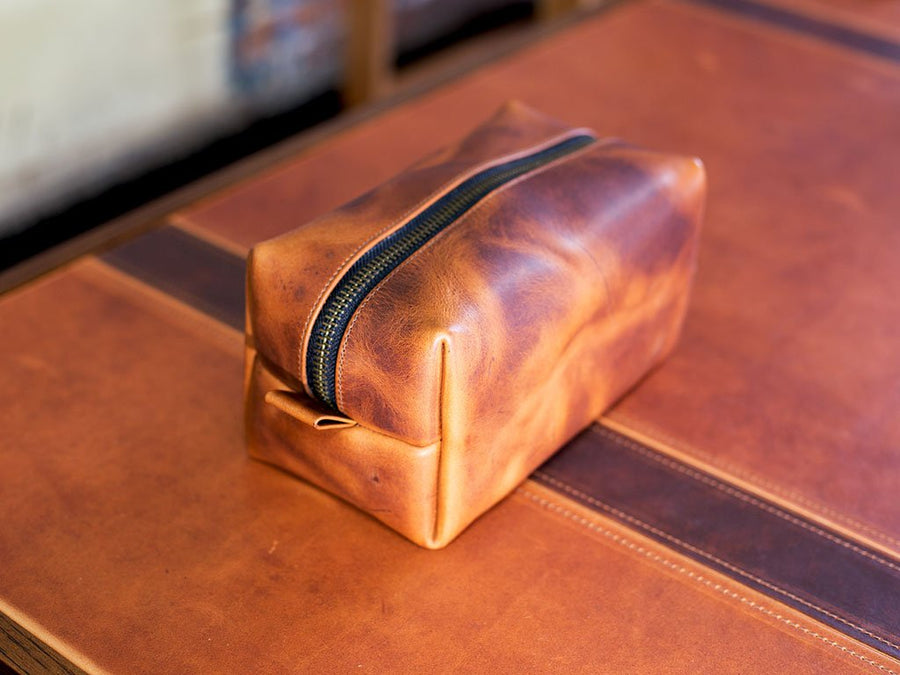 natural leather dopp kit with handle photo