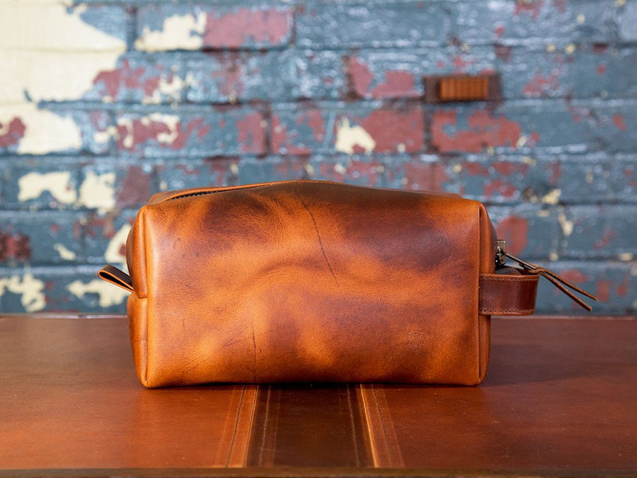 horween natural leather dopp kit with handle image