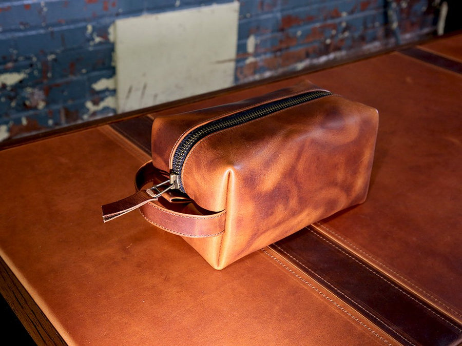 natural leather dopp bag with handle image