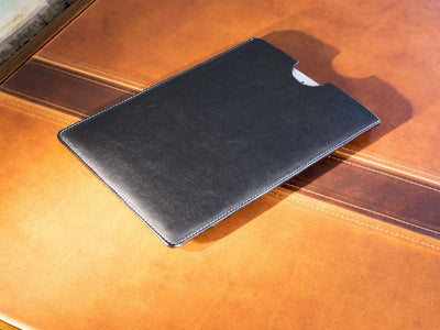 horween black ipad sleeve image
