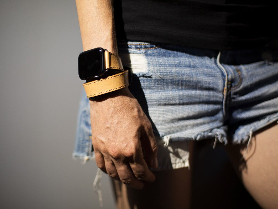 image of italian cream double tour apple watch band