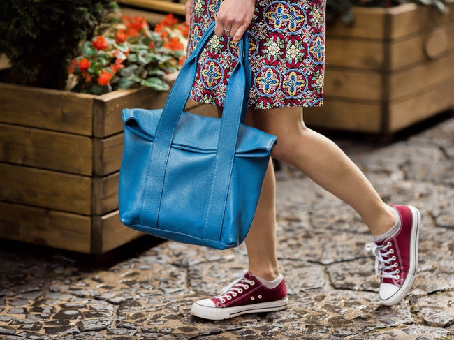 soft leather urban tote bag - blue