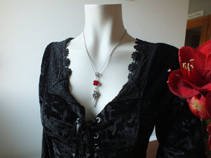 COLLECTION ROUGE *Collier corbeau
