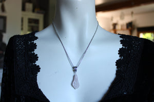 Collier calla en quartz rose