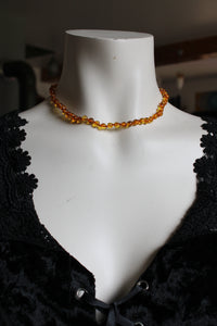 Collier en ambre orange ras du cou 40 cm - Lituanie