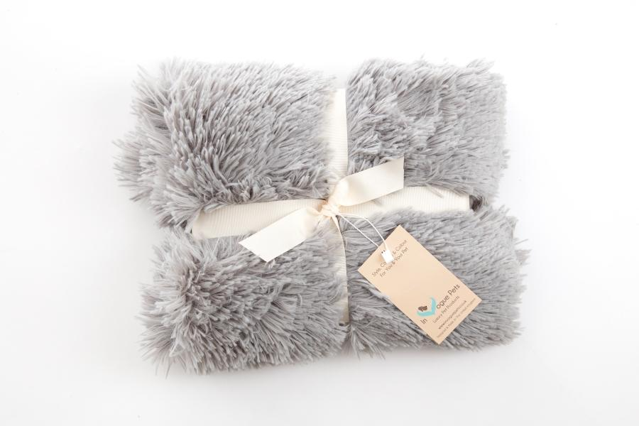 Shaggy Silver Dog Blanket - In Vogue Pets - My Pet Gift Box