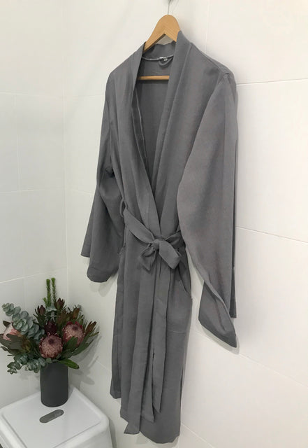 Jade and May Classic Linen Kimono, Ladies Dressing Gown, Ladies Sleepwear, Ladies Loungewear, Womens Sleepwear, Classic, Elegant, Gifts, Cosmetic Bags, Ladies Slippers, Ceramic Earrings, Greeting Cards, Gift Bag, Presents for her, Gift Ideas, Skin Care