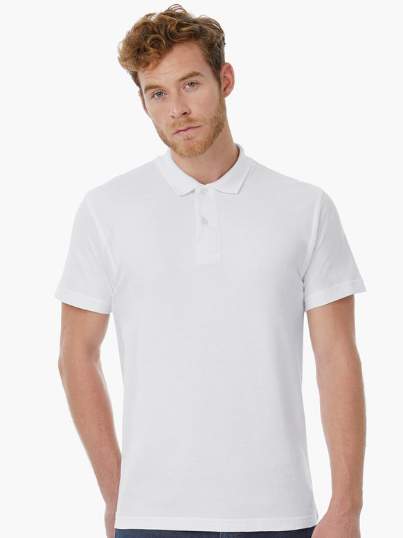 Mann mit Corporate Fashion, Corporate Wear oder Corporate Kleidung Polo Shirt