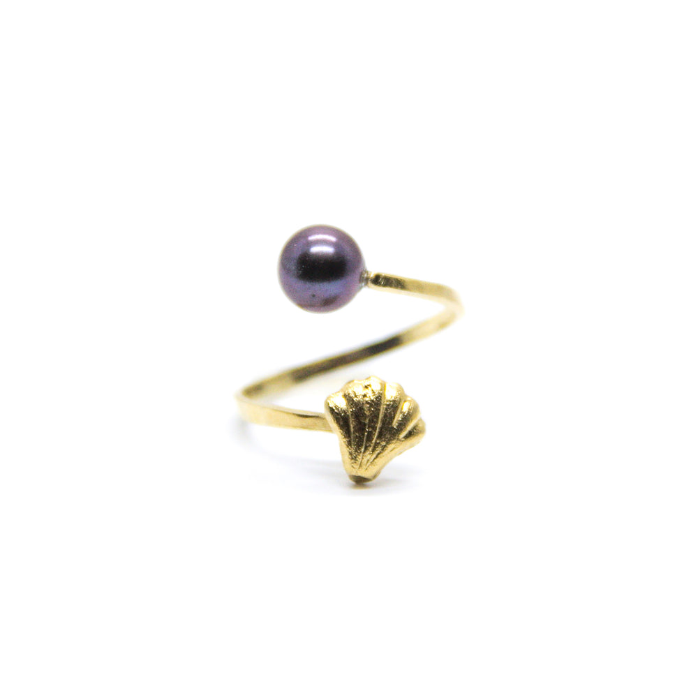 Mini Shell with Black Pearl Spiral Ring