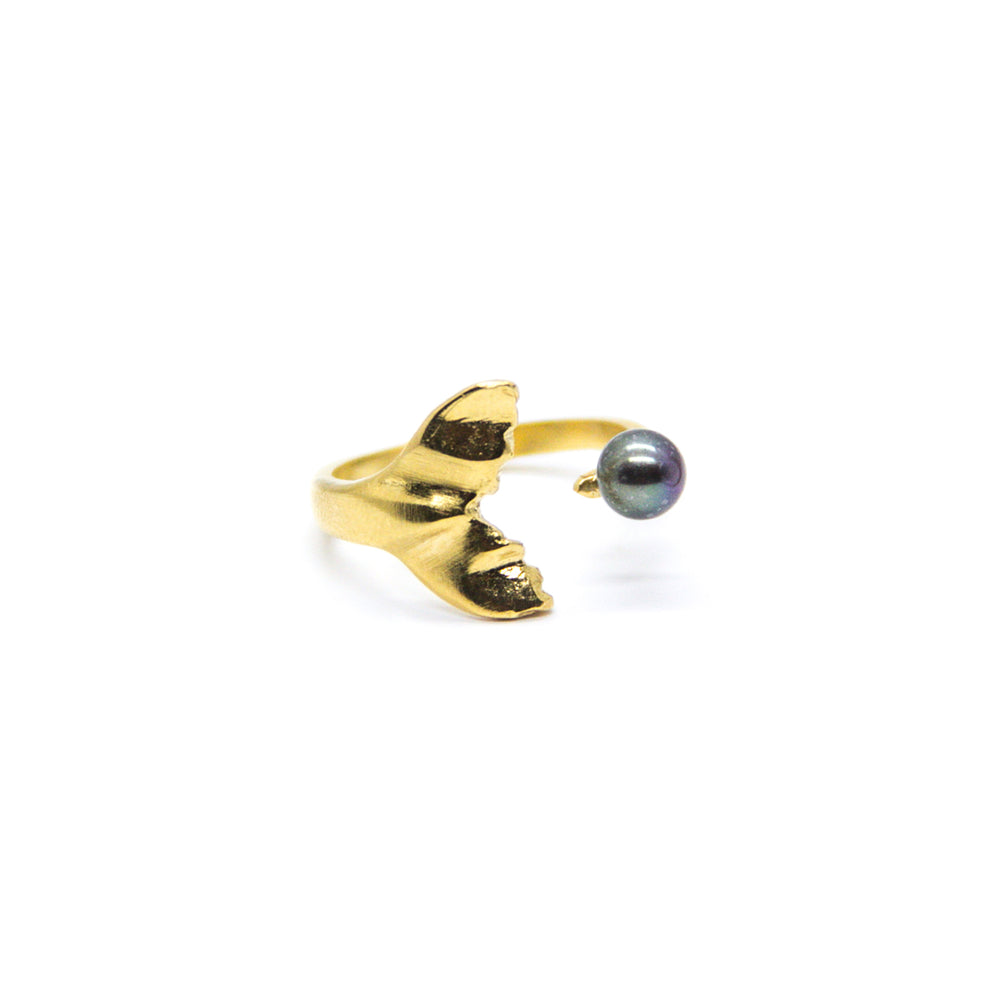 Whale Tail with Black Pearl Ring