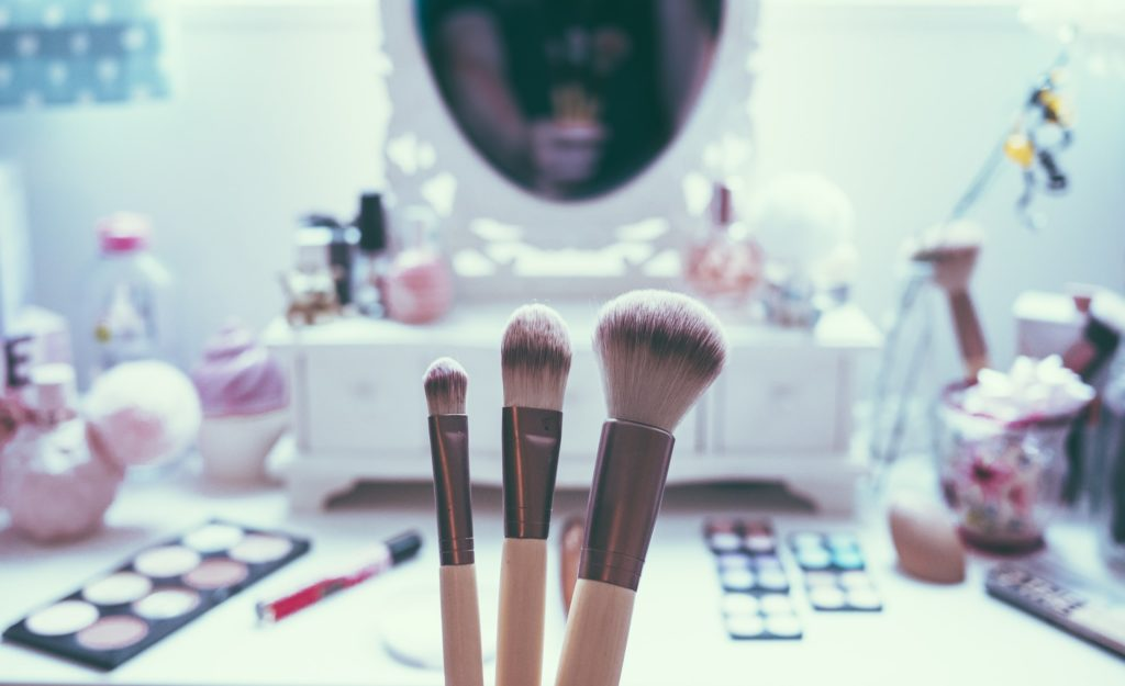 3 Makeup Brushes Every Fashionista Should Own