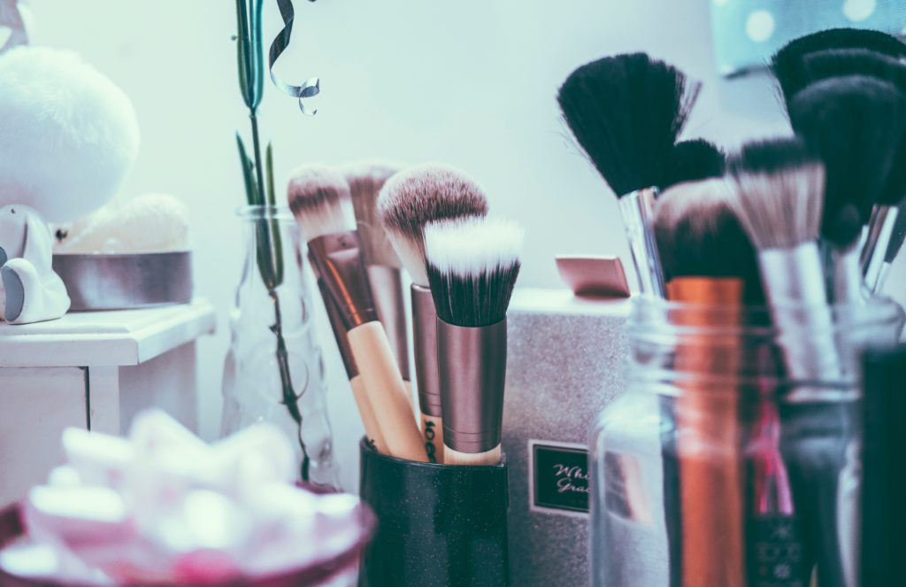 How to Choose Good Quality Makeup Brushes – 3 Tips to Help