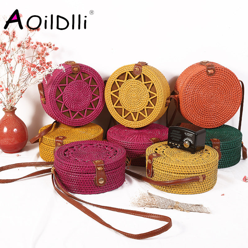 2020 new round straw bag beach bag woven large capacity single shoulder hand crochet Summer girl bag
