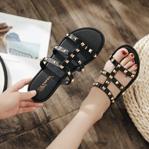 Fashion Women Slides Summer Rivet Slippers Women Shoes Flip Flops Slide Sandals Upstream Lady Shoes Slides Zapatillas Mujer