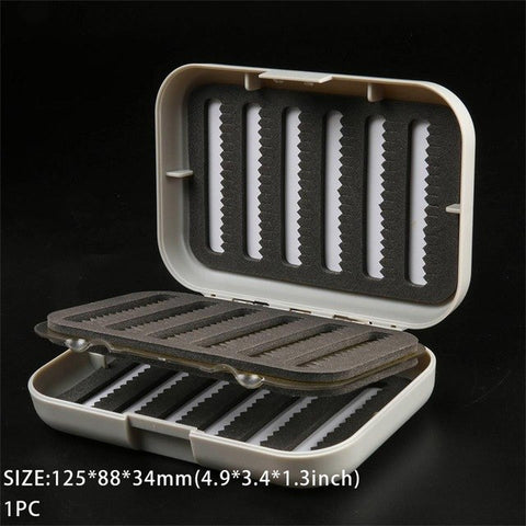 Maximumcatch CB Plastic Fly Box With Swing Leaf 125*88*34mm