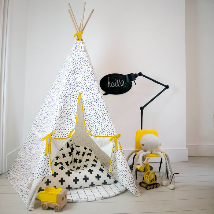Dash print Teepee Yellow Trim