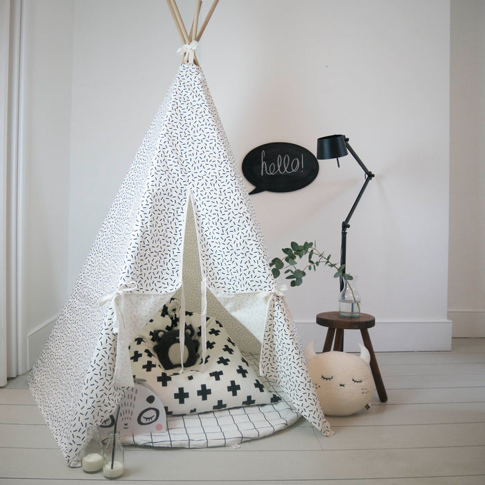 Dash print Teepee White Trim