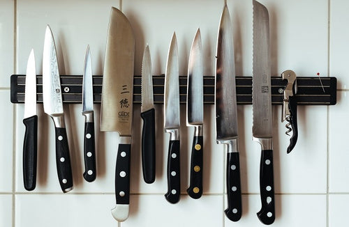 Knives that Every kitchen needed