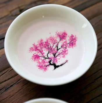 Japanese Magic Sakura Cup Hot Cold Temperature Color Changing Flower Display Sake Cup Ceramic Kung Fu Tea Cup Tea Bowl