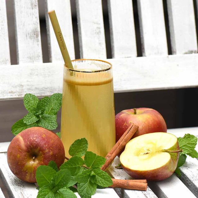 Strawtopia-fresh apple-juice-with- bamboo-straw