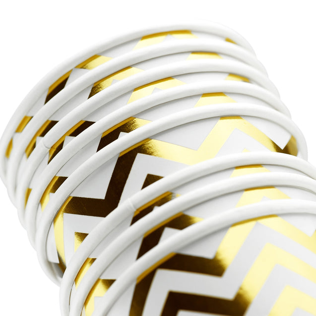 White with Gold Metallic Chevron Pattern Fancy Party Paper Cups — STRAWTOPIA