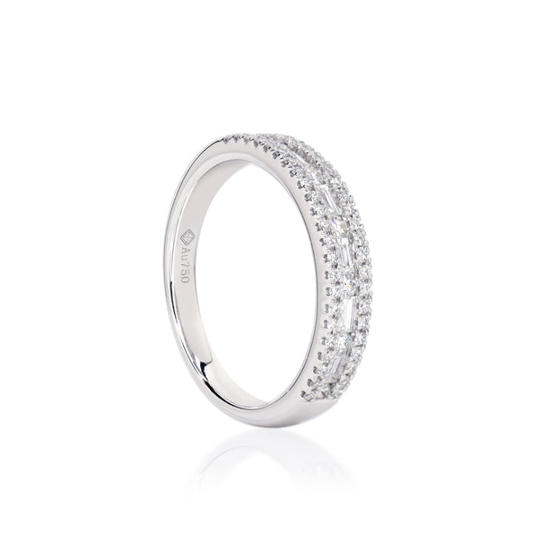 PINNALE RING WITH BEJEWELLED FRAME