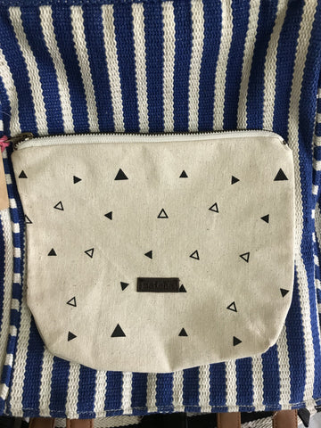 EVERYDAY ESSENTIAL POUCH - TRIANGLES