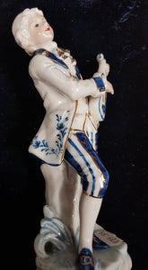 Blue and White Figurine, Guitar Player