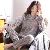 Madame Noy Winter collection tendance femme asiatique pyjama cole en V gris  Madame Noy | Mode, Lifestyle & Déco | Thaï | Lao | Khmer | Viet