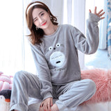Madame Noy Winter collection tendance femme asiatique pyjama cole en V gris gray pajama sets 1 / XXL Madame Noy | Mode, Lifestyle & Déco | Thaï | Lao | Khmer | Viet