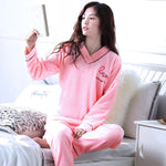Madame Noy Winter collection tendance femme asiatique pyjama cole en V gris pink pajama sets 1 / XXL Madame Noy | Mode, Lifestyle & Déco | Thaï | Lao | Khmer | Viet