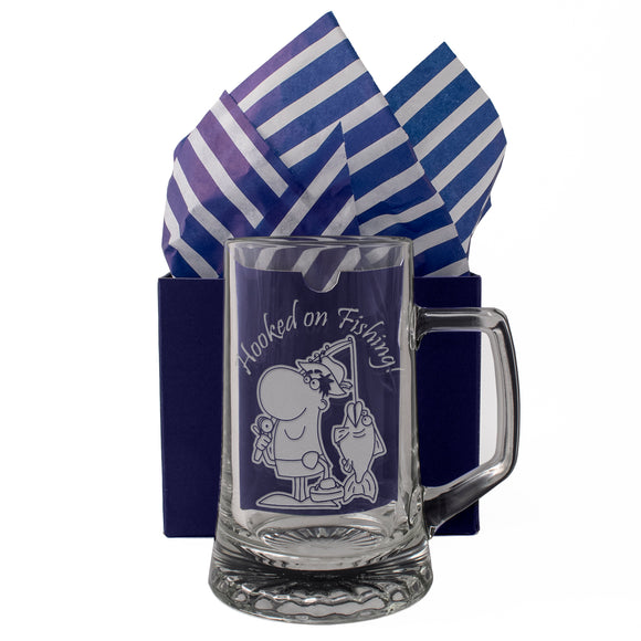 Hooked On Fishing! - Engraved Tankard Beer Pint Glass - engraving-gallery.com
