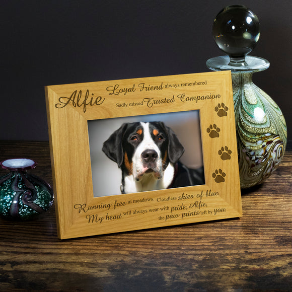 Dog Memorial, Bereavement - Personalised  Wood Photo Frame - engraving-gallery.com