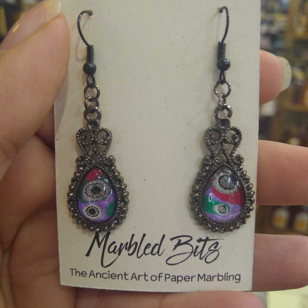 Oval Ornate Marbled Dangle Style Earrings
