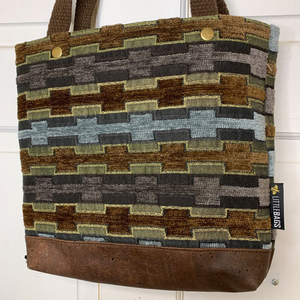 710-B Carpet Bag
