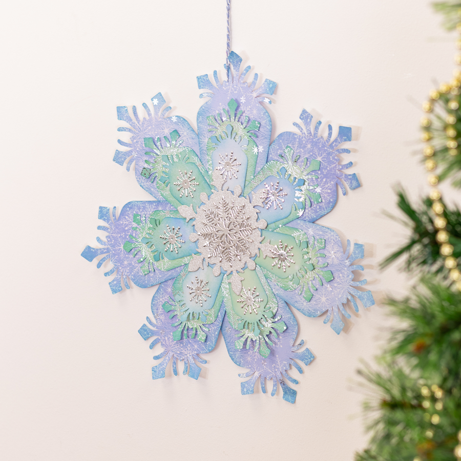 Sara Signature Collection - Glittering Snowflakes - Plastic Template - Statement Snowflake